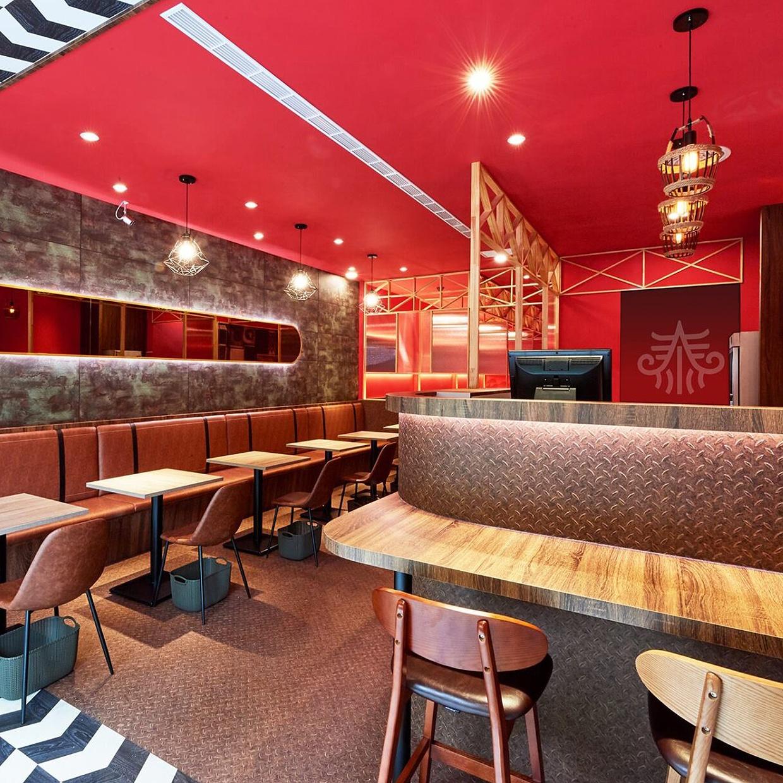 飛船泰泰式料理餐廳店面裝潢設計